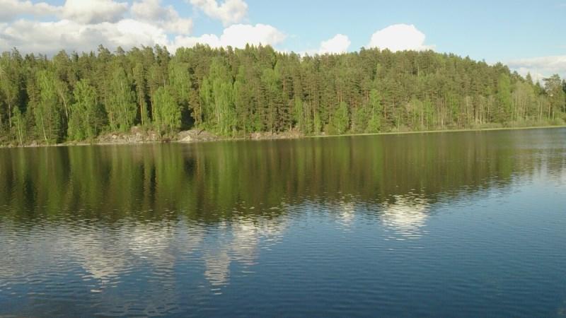 """Ski siden av Tusse.  Mange flotte badeplasser blant annet """"Jentebadet"""", Guttebadet"""", """"Stupet"""" og """"Familiebadet"""""""